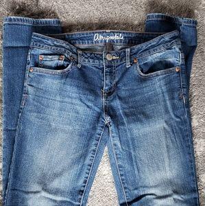 Aeropostale Bayla jeans, size 6L, stretch